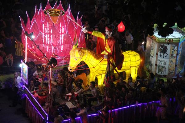 Chiêm ngưỡng lễ hội Trung thu lớn nhất Việt Nam 12