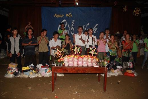 Hình ảnh Cùng đồng bào người Mông đón tết Trung thu số 9