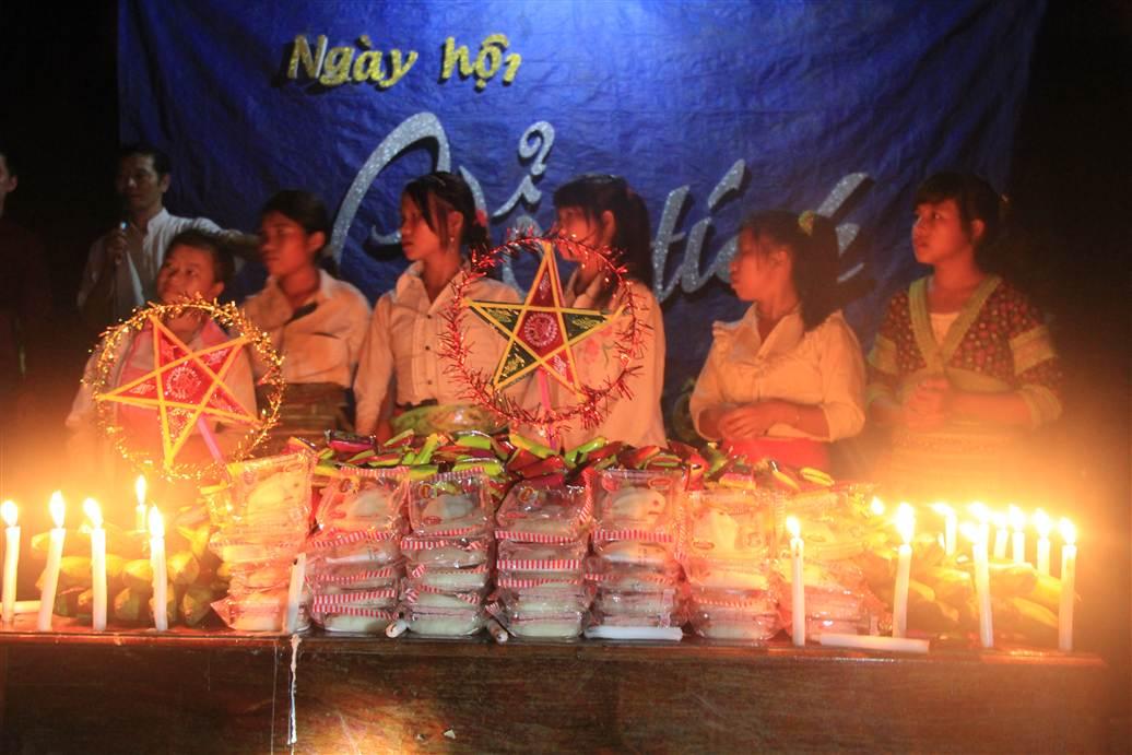 Hình ảnh Cùng đồng bào người Mông đón tết Trung thu số 10