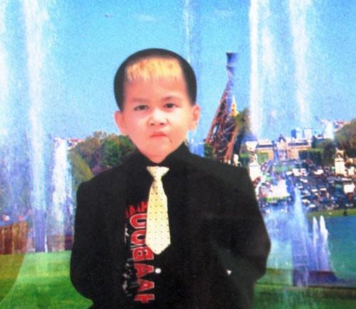 Tìm thấy thi thể bé trai 9 tuổi bị cuốn xuống cống 5