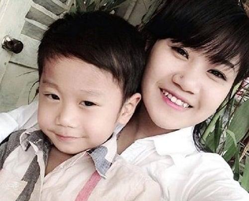 Những bà mẹ trẻ xinh đẹp là nữ thợ xăm nổi tiếng tại Việt Nam 6