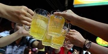 Người uống rượu bia sống lâu hơn người không rượu bia 5