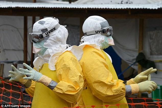 Máu người chữa Ebola trở thành cơn sốt ở chợ đen 4
