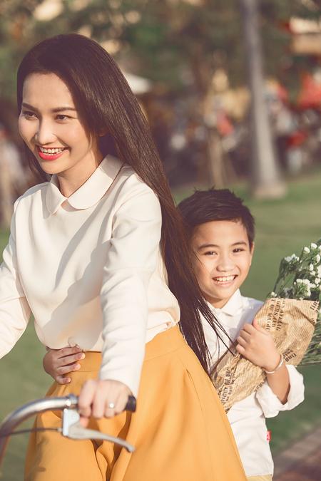 Ngất ngây với vẻ đẹp của gái một con Kim Hiền 7