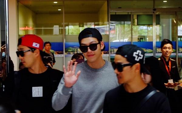 Kim Woo Bin đến Việt Nam, thân thiện vẫy tay chào fan 5