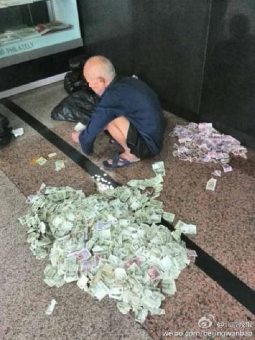 Lão ăn mày 70 tuổi kiếm hơn 30 triệu đồng/tháng gửi về cho gia đình 6