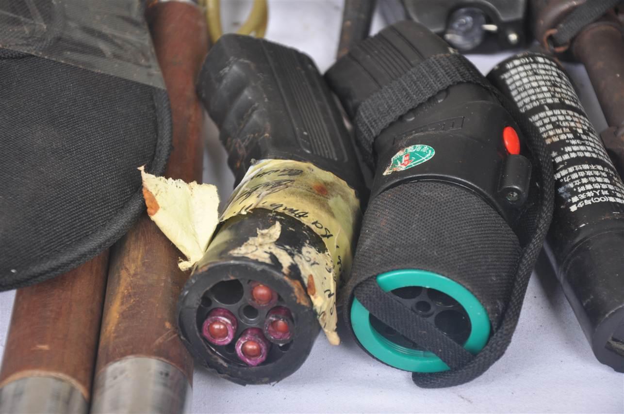 Cận cảnh kho vũ khí giang hồ do lực lượng 141 tịch thu 10
