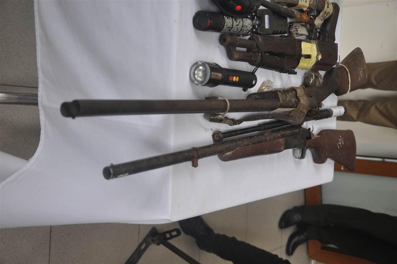 Cận cảnh kho vũ khí giang hồ do lực lượng 141 tịch thu 11