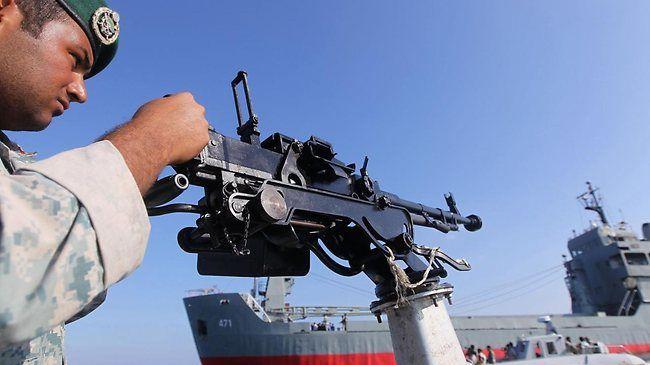 Hải quân Iran giải cứu thành công tàu Trung Quốc bị hải tặc tấn công  5