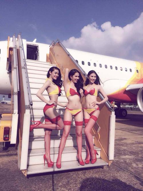 Ngọc Trinh mặc bikini làm tiếp viên hàng không 8