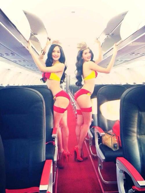 Ngọc Trinh mặc bikini làm tiếp viên hàng không 5