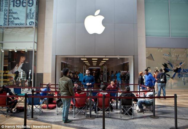 Dòng người xếp hàng chờ mua iPhone 6 ở các nước 6