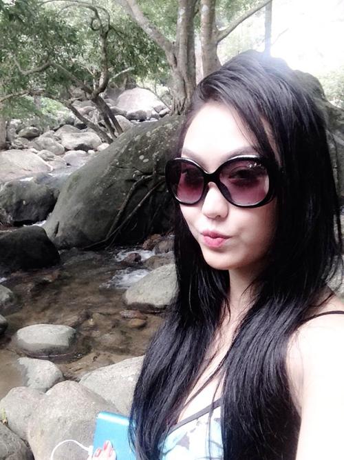 Vợ chồng Phi Thanh Vân chán showbiz vào rừng ở ẩn 7