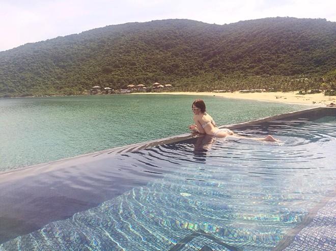 Angela Phương Trinh mặc bikini gợi cảm trên biển Đà Nẵng 12