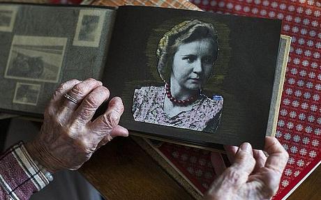 Cuộc sống kinh hoàng của người nếm thức ăn cho Hitler cuối cùng 6
