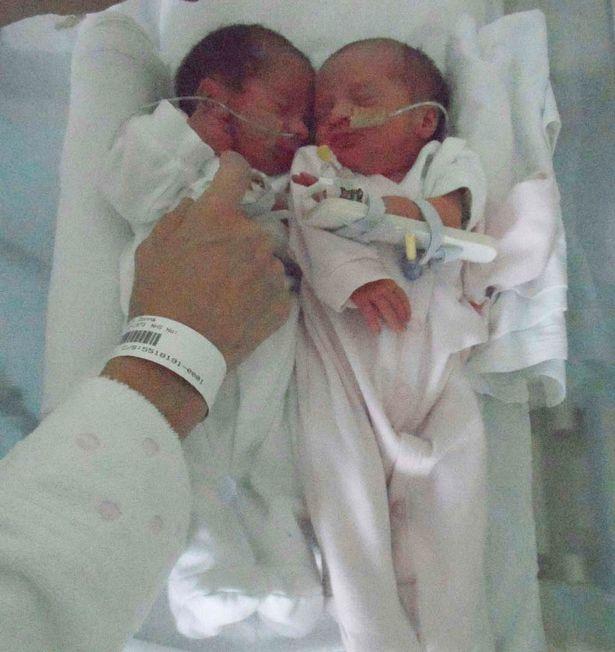 Bà mẹ mang thai 2 cặp song sinh trong vòng chưa đầy một năm 9