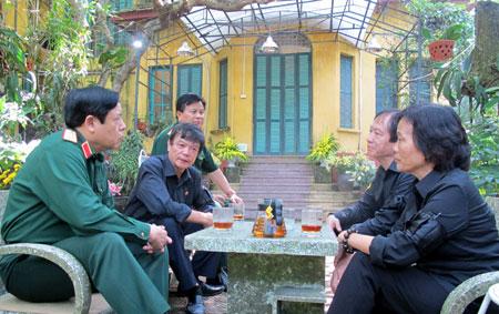 Bộ trưởng Quốc phòng dâng hương tưởng nhớ Tướng Giáp 4