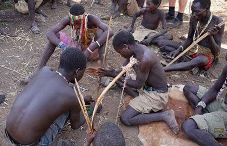 Cận cảnh bộ tộc cổ nhất của loài người 8