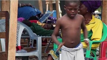 Cậu bé nhiễm Ebola tươi vui nhảy nhót khiến cộng đồng cảm phục 5