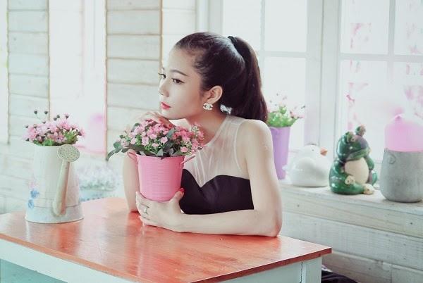 Hình ảnh Nhan sắc xinh đẹp của các hot girl 9X kiếm tiền tỷ mỗi năm số 3