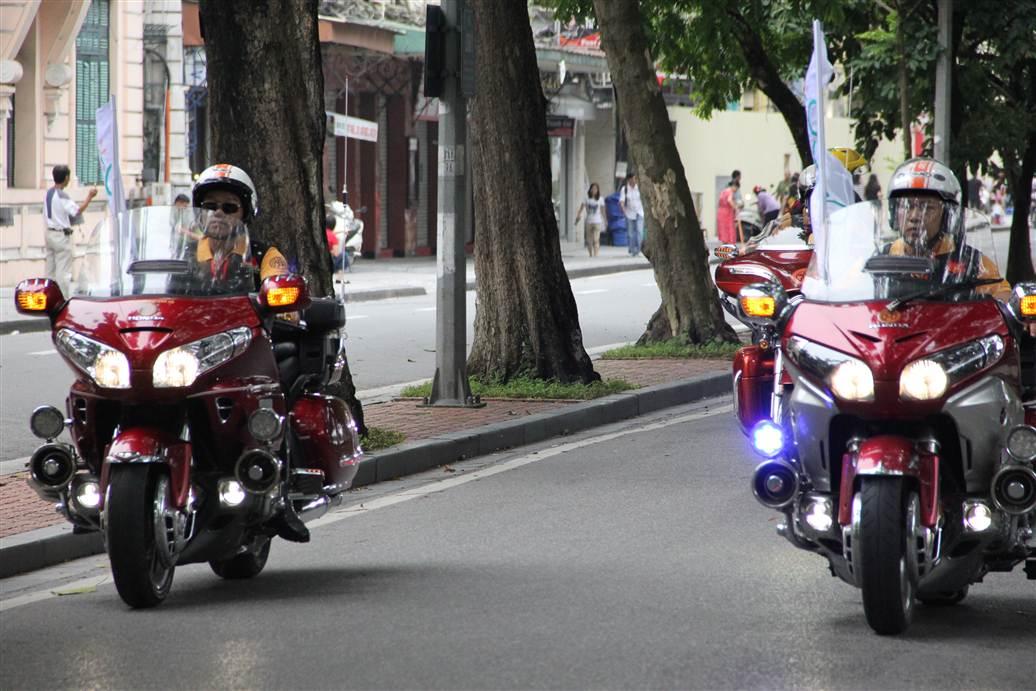 Ngắm dàn siêu xe tại giải đua xe đạp Hà Nội mở rộng 2014 7