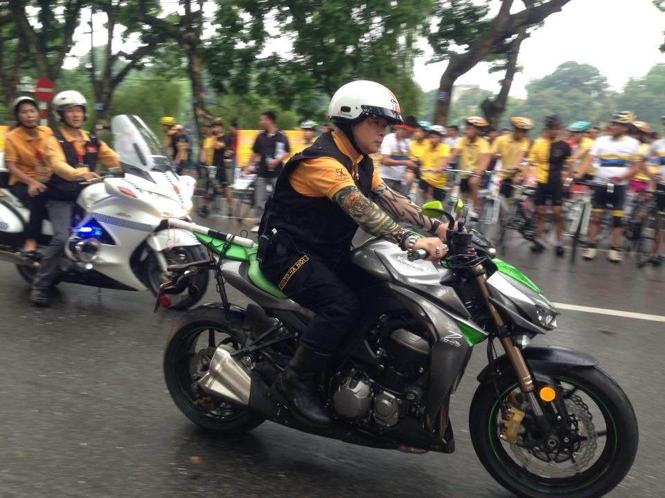 Ngắm dàn siêu xe tại giải đua xe đạp Hà Nội mở rộng 2014 12