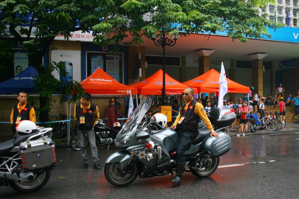 Ngắm dàn siêu xe tại giải đua xe đạp Hà Nội mở rộng 2014 15