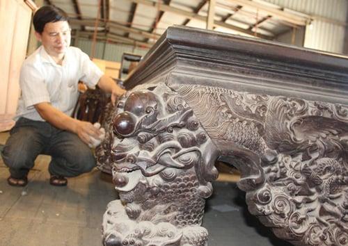 Chiếc sập gỗ trắc giá 1,5 tỷ đồng tại kho đồ cũ ở Hà Nội 8