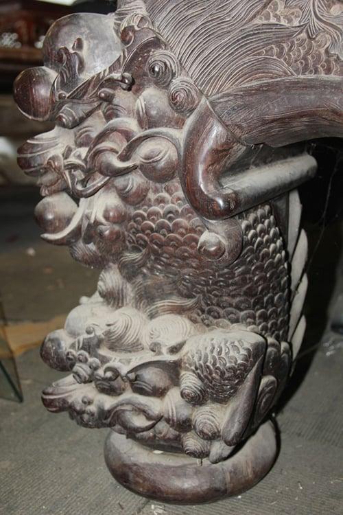 Chiếc sập gỗ trắc giá 1,5 tỷ đồng tại kho đồ cũ ở Hà Nội 11