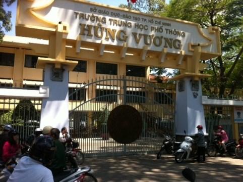 Hiệu trưởng trường Hùng Vương lên tiếng trước các cáo buộc của học trò 6