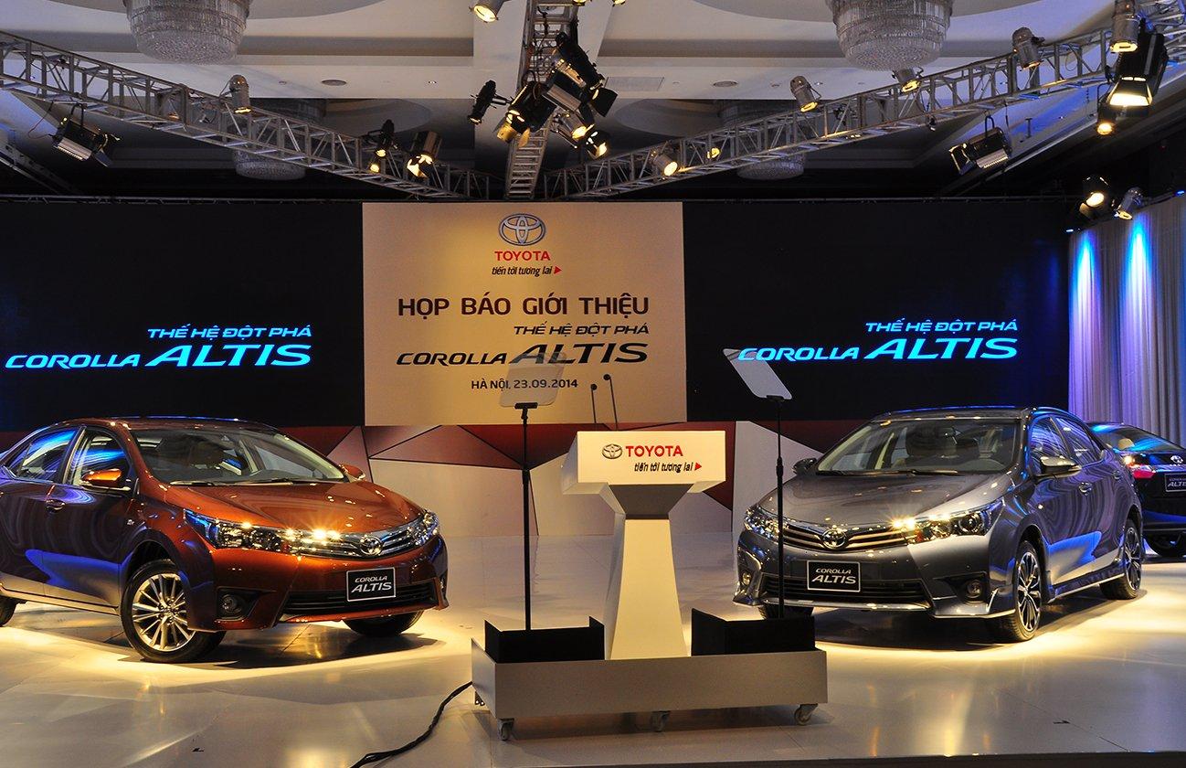 Hình ảnh Toyota Corolla Altis 2014 chính thức được ra mắt tại Việt Nam số 2