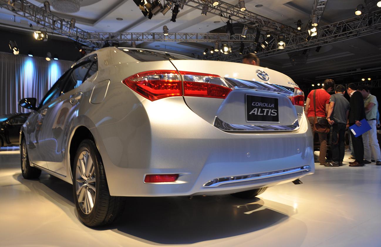 Hình ảnh Toyota Corolla Altis 2014 chính thức được ra mắt tại Việt Nam số 4
