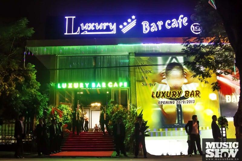 Hình ảnh Cháy l�n tại bar Luxury Hà N�i: Có th� có rất nhi�u ngư�i mắc kẹt phía trong s� 7
