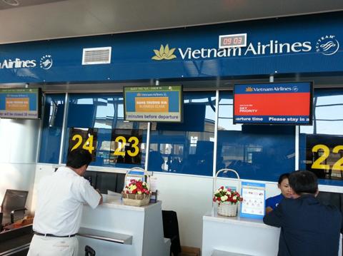 Hành khách say xỉn gây rối, lăng mạ nhân viên Vietnam Airlines 4