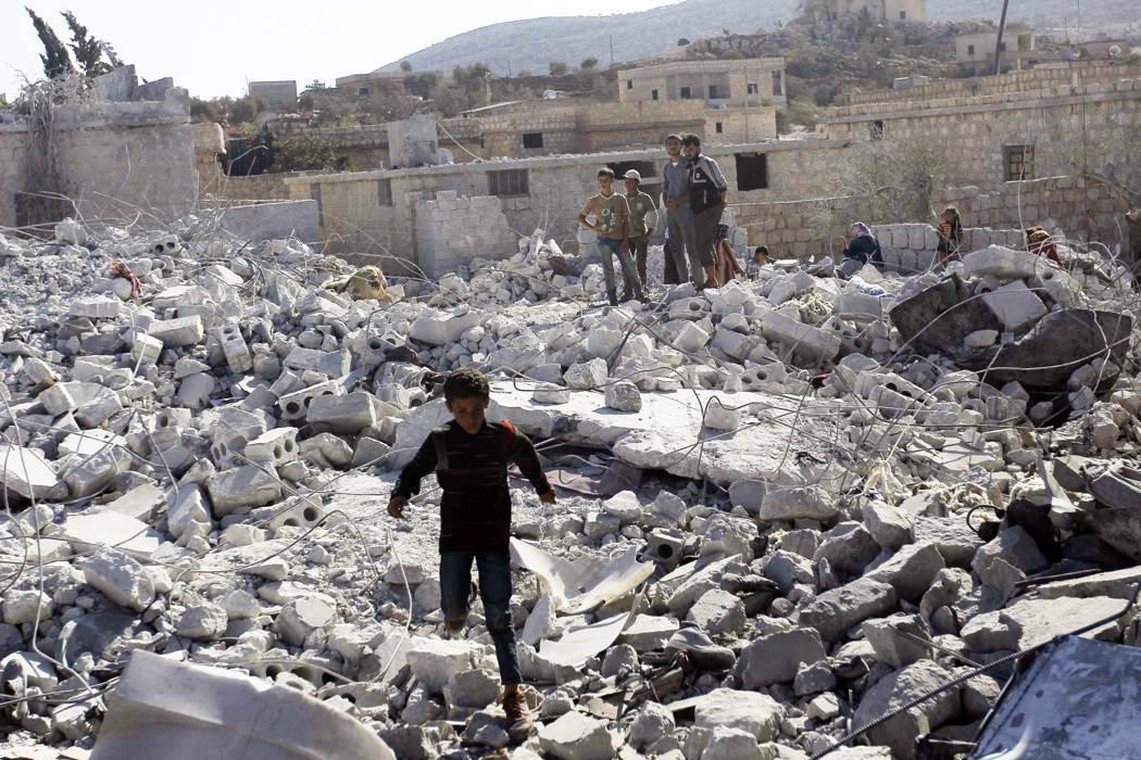 Cuộc không kích của Mỹ vào Syria qua ảnh 11