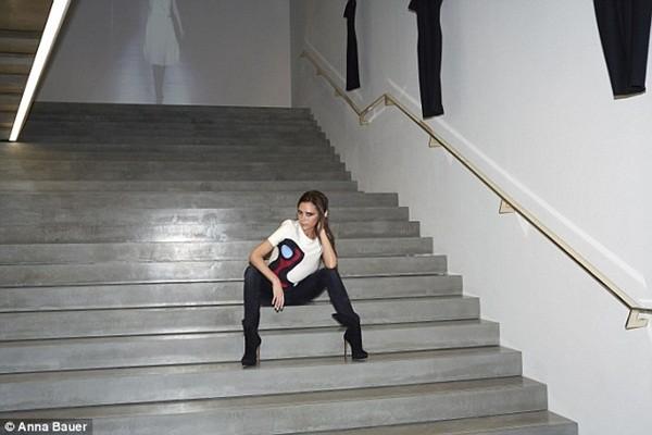 Cận cảnh cửa hàng thời trang rộng 550 m2 của bà Becks 8