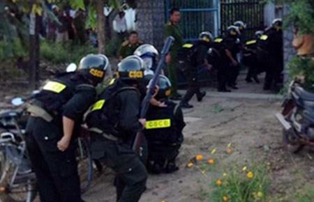 Vụ giang hồ nổ súng vào 100 cảnh sát: Bắt giam 7 bị can 5
