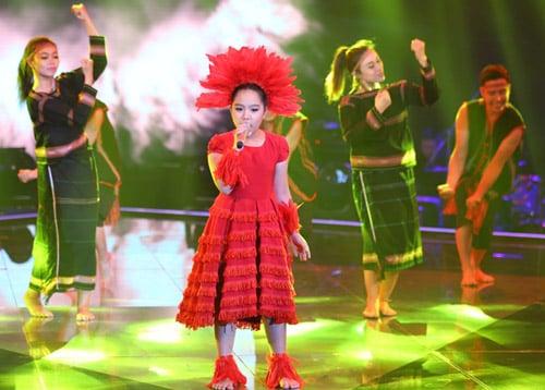 Bán kết giọng hát Việt nhí 2014: Hoàng Anh đánh bại cô bé nhạc Trịnh 7