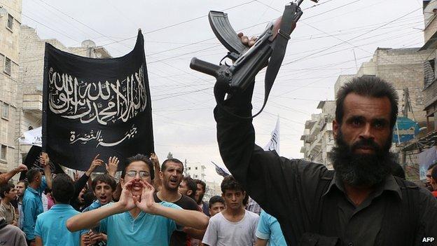 Nhóm khủng bố al-Nusra đe dọa trả đũa liên minh không kích IS 6