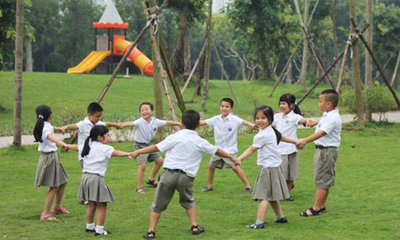 Những đồng phục hiện đại, tiền triệu của teen Hà Nội 5