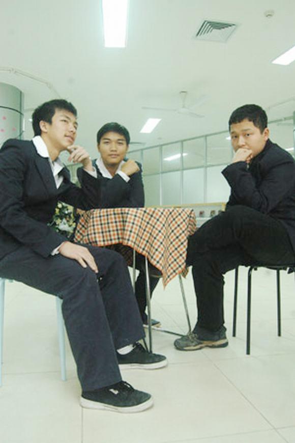 Những đồng phục hiện đại, tiền triệu của teen Hà Nội 6