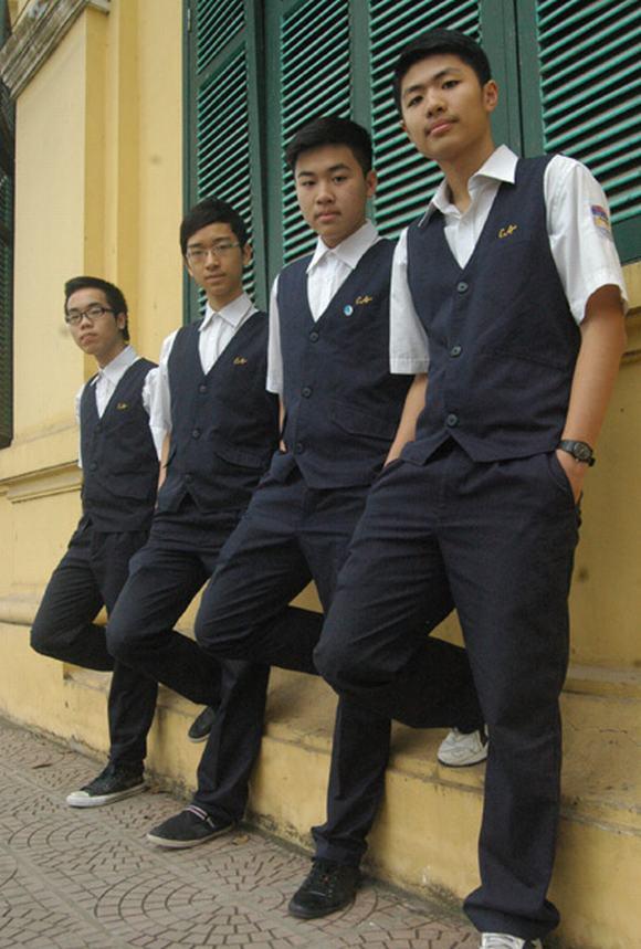 Những đồng phục hiện đại, tiền triệu của teen Hà Nội 9