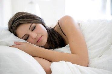 Hình ảnh Những thói quen sau bữa tối gây hại cho sức khỏe tuyệt đối tránh số 3