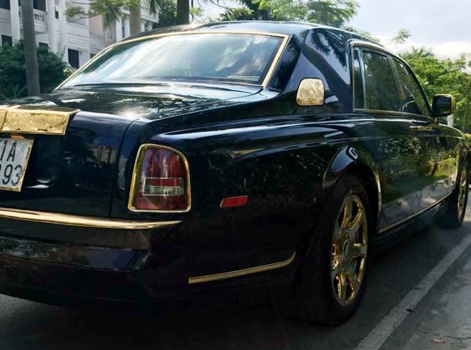 Rolls-Royce Phantom mạ vàng, gắn hình rồng nổi ở Hà Nội 10