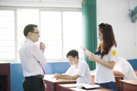 Chuyện thật học đường: Nữ sinh thích thầy ngay giữa lớp 5