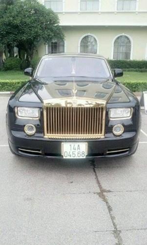 Bộ đôi xe sang chục tỉ mạ vàng của đại gia Móng Cái 8