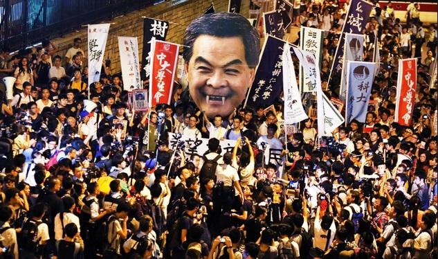 """Hình ảnh Lương Chấn Anh sẽ thành """"vật tế thần"""" nếu biểu tình Hong Kong tiếp tục số 1"""