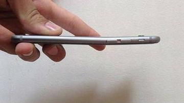 Rộ phong trào phá iPhone 6 Plus trong cửa hàng 5