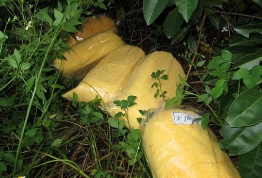 Kinh hoàng chà bông bẩn được sản xuất từ thịt gà thối 8