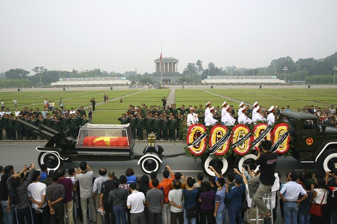 Hình ảnh xúc động trong lễ tang lịch sử của Đại tướng Võ Nguyên Giáp 5